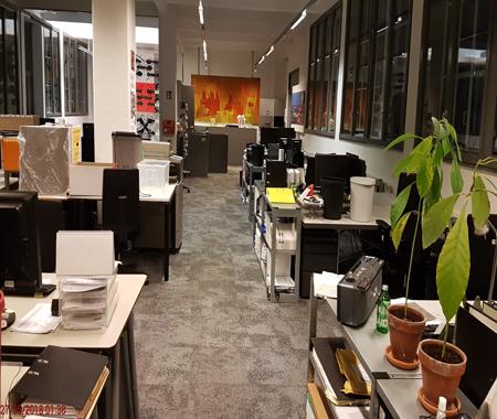 Teppichreinigung im Büro