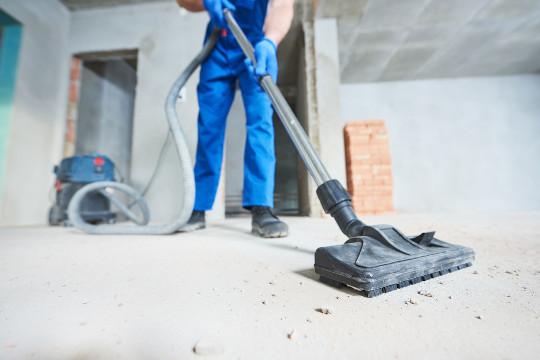 Bauendreinigung saugen